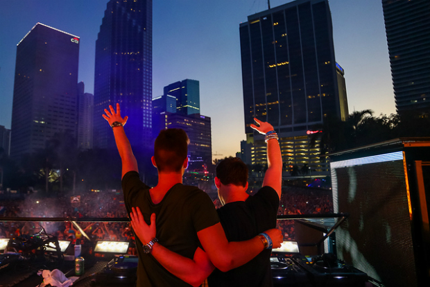 Dyro-and-Hardwell-UMF