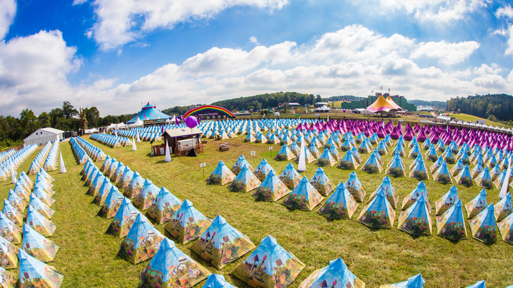 TMW13_Dreamville_Tents_VIP_Overview_05