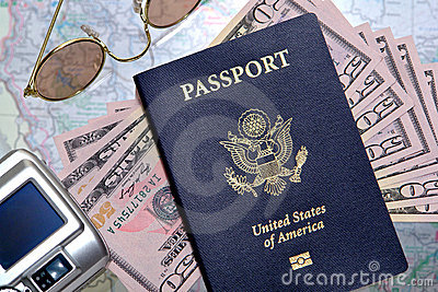 american-us-passport-money-ready-travel-10669362-1