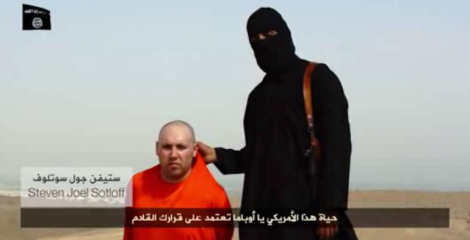 Steven Sotloff in the video produced by IS (Islamic State)